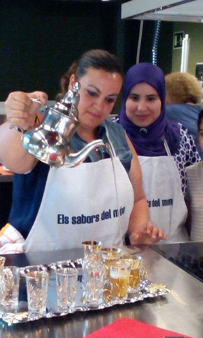 """""""Passa'm l'arròs"""". Cuina del Marroc (4 de juny de 2015). Foto: Mariona Chavarria"""