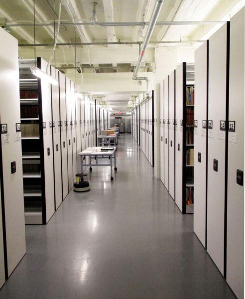 Figura 3. Espacio para almacenamiento en el interior de la biblioteca